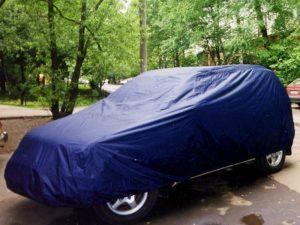 Укрывать или не укрывать машину на улице